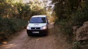 Anfahrt ins Testgebiet - Typische Straße in den Pyrenäen