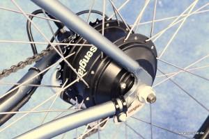 Klein und leicht: Der Senglarantrieb und die Senglar-Drehmomentstütze im Rennrad