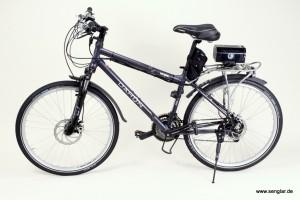 Das Dahon-Klapprad wird dem Senglar-Umbausatz zum e-Bike