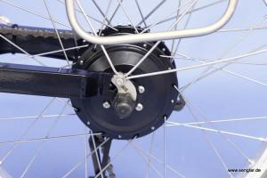 Angepasste Senglar-Drehmomentstütze zur Verdrehsicherung der Motorachse