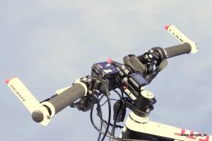 Volles Programm: Der Lenker ist bereit für verschiedene Anzeige- und Bedieninstrumente
