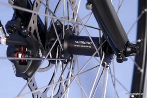 Qualität auch im Vorderrad: Die Shimano SLX-Nabe