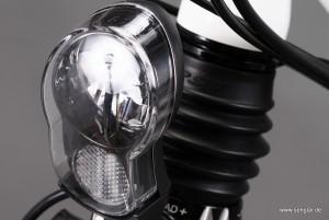 Endlich erlaubt: Die Beleuchtung darf direkt am Antriebsakku angeschlossen werden