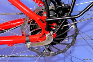 Zur Sicherheit: Magura-Scheibenbremse mit 200mm Bremsscheibe hinten und vorne