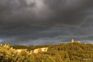 Die Wachenburg: Ihre Auffahrt überwindet etwa 200 Höhenmeter