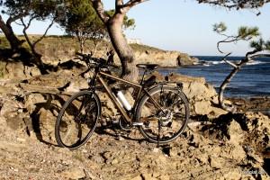 Ton In Ton: Das Braunmetallic passt perfekt zur Costa Brava