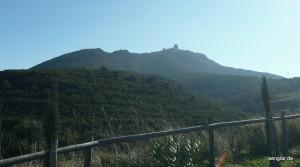 Nicht unbedingt schön, aber typisch für Cadaqués: Radaranlagen