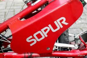 Schönes Detail: Ein Versteifungsblech am Sopur-Handbike