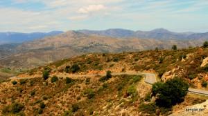 So sieht eine typische Straße zwischen den Pyrenäen und Mittelmeer aus