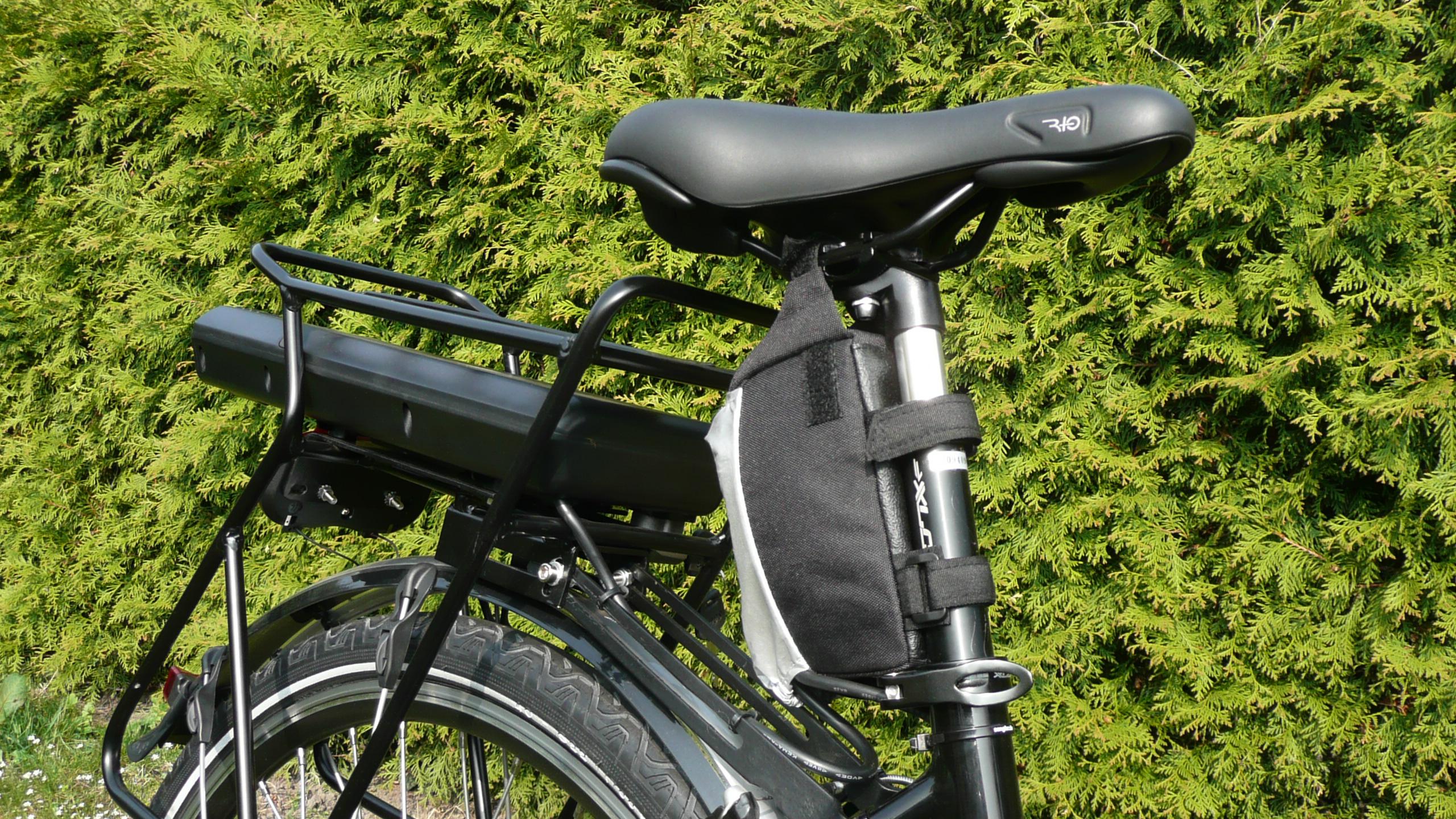 Unterbringung von Gepäckträger-Akku und Controller in der Satteltasche