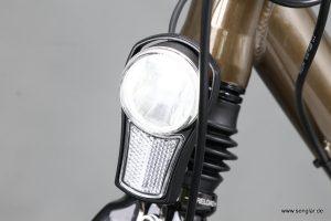LED-Beleuchtung mit 40 Lux, über den Akku betrieben